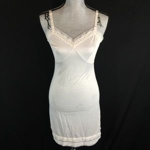 Vintage 60s 70s Sliperfection Fitted Slip XS S